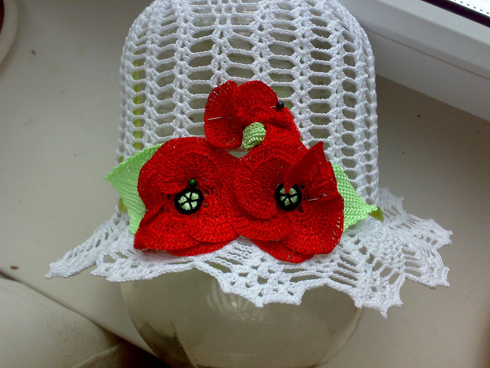Вязанная крючком шапочка